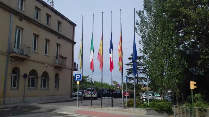 banderes a mig pal