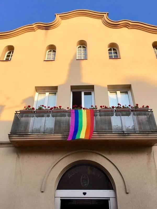 Bandera LGTBI balco ajuntament-v11