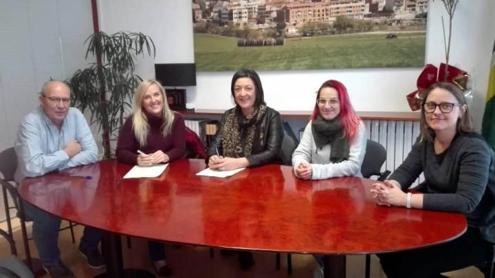 Signatura del contracte  amb Montcruma SLU