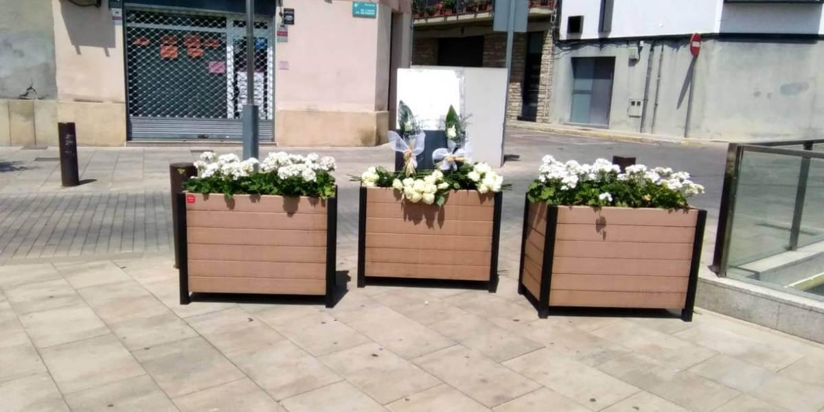 placa Covid jardineres flors plaça Mercat