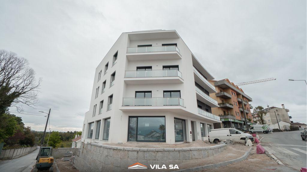 Heute fällt regen und es. Prédio Tondela .: Vila Sá Construtores, empresa de