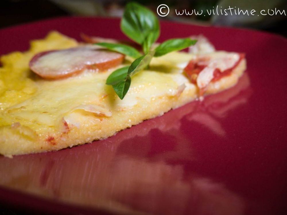 Безглутенова домашна пица с царевичен грис