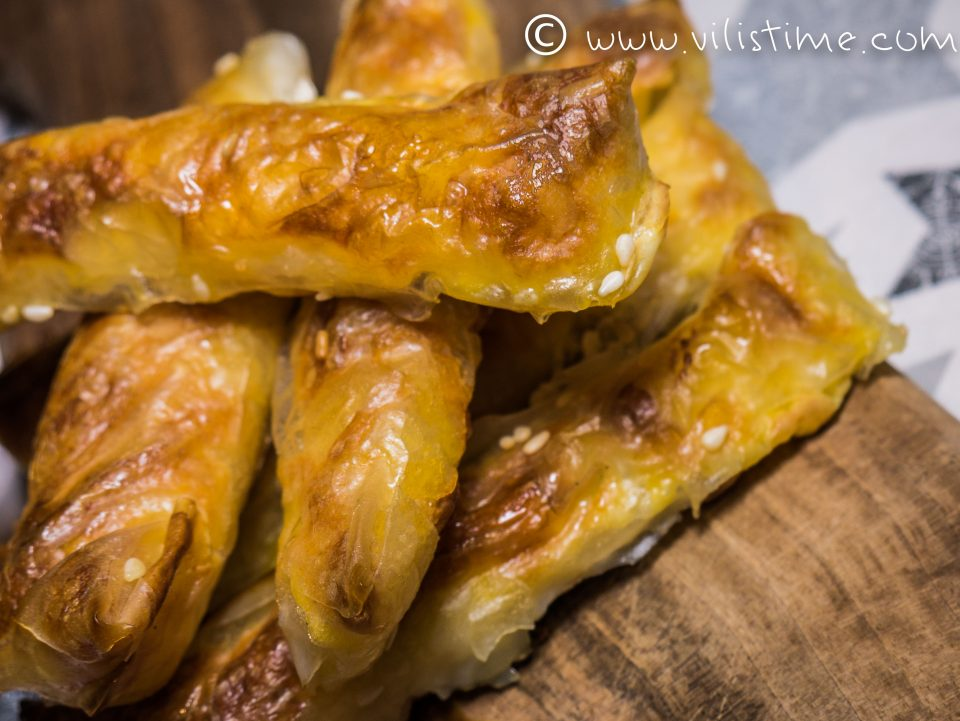Безглутенови хрупкави банички със сирене