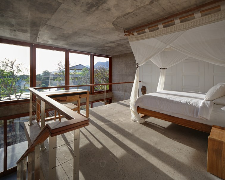 Villa Anak Arun Bali - mezzanine bedroom