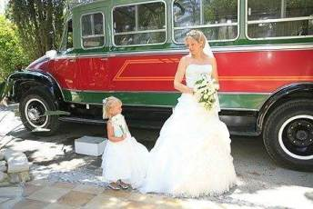 Traditional-Wedding-Bus
