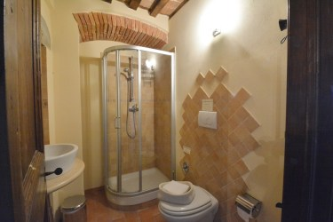 book villa with pool in Umbria