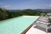 Inifinity pool at Villa Bastiola