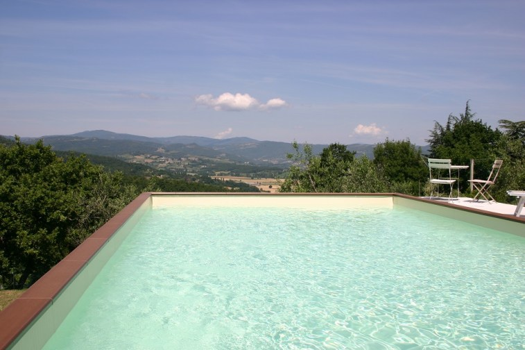 Pool at villa in Umbria