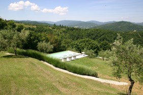 Self catering villa rental with pool in Umbria