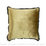 modna luksusowa poduszka wkolorze złotym
