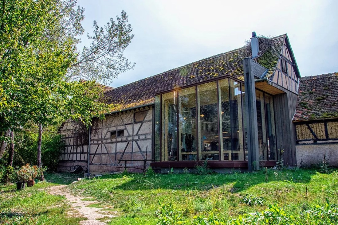 Mélange moderne dans une maison traditionnelle Alsacienne