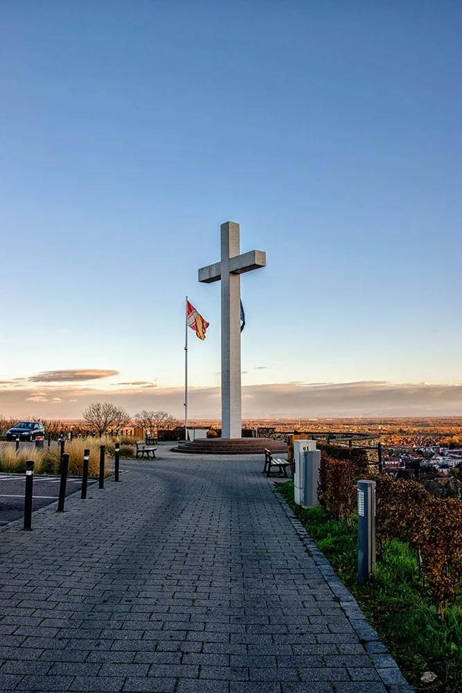 La croix blanche du Mont National d'Obernai