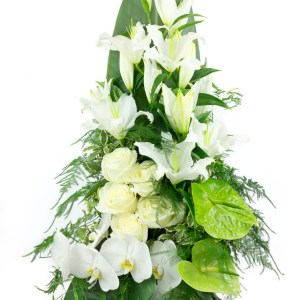 Eternity : composition en hauteur avec lys blanc pour la Saint Valentin
