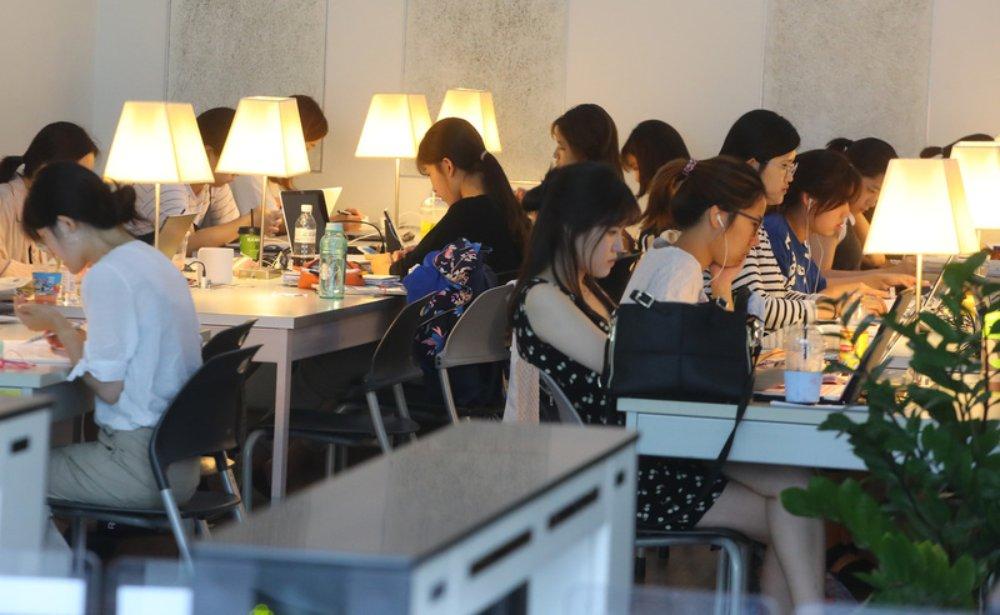 大批南韓年輕人身負巨債,債務可能纏繞一生,原因何在?