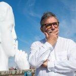 紐約市對面的澤西市海濱豎立了巨型頭像「水之魂」,引發人們無限想像?作者卻這樣解讀⋯⋯
