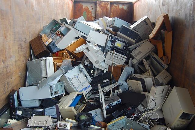 L'Europa smaltisce illegalmente rifiuti elettronici in Nigeria