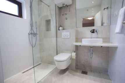 Bathroom in studio 7
