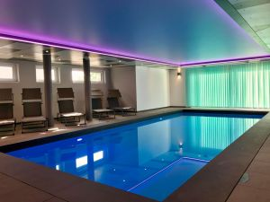 indoor swimingpool heated at 28 degrees celsius all year round