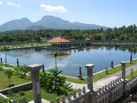 Het waterpaleis Taman Ujung