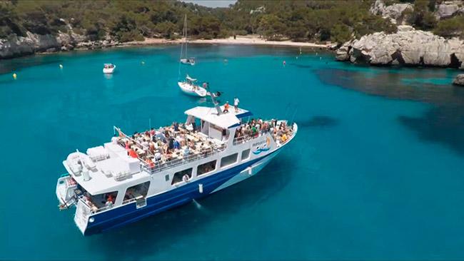 Barco Ciutadella Menorca - Villas Etnia
