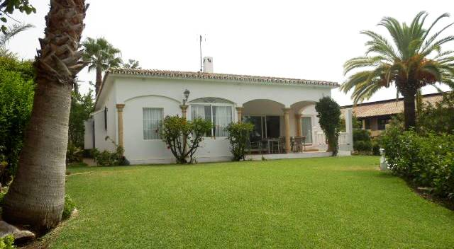 Single story villa La Quinta, Benahavis - 750,000 euros