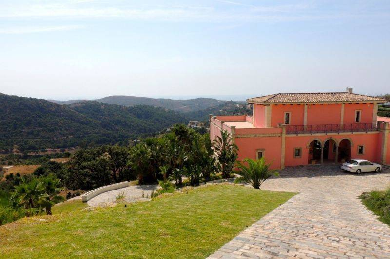 Monte Mayor, Benahavis villa for Sale - 1,975,000 euros