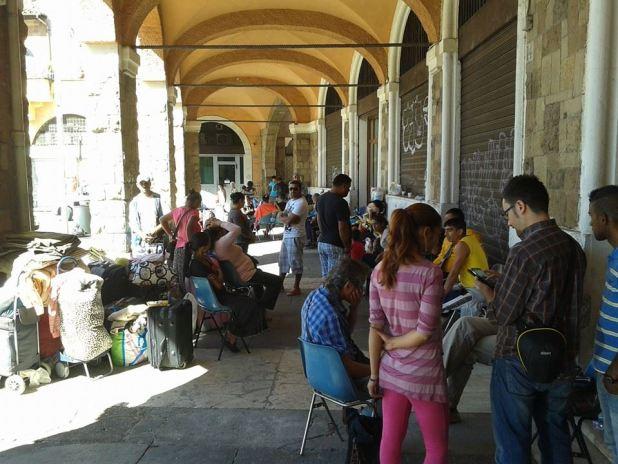 I cittadini protestano contro il TMB di via Salaria e il Municipio ospita i ROM