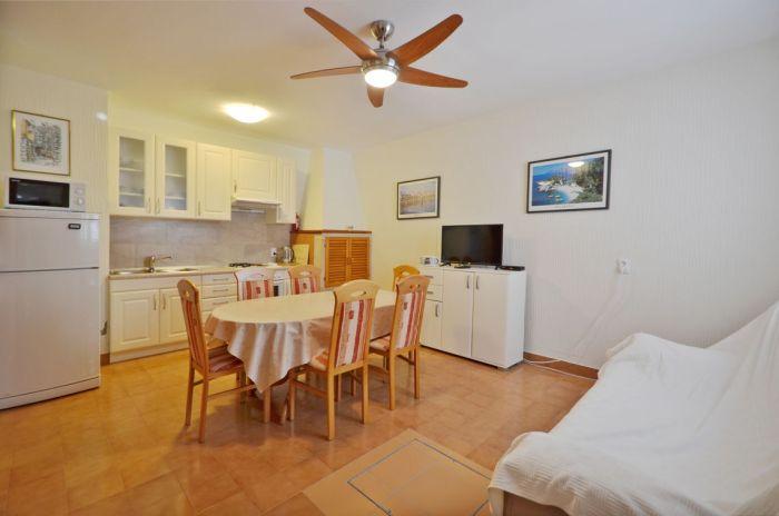 villa tomislav apartment1 livingroom 02