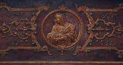 Bas relief de la Vierge