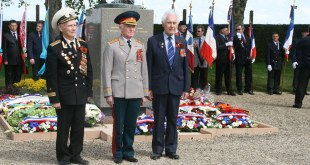 Hommage aux soldats soviétiques : le Souvenir Français était présent.