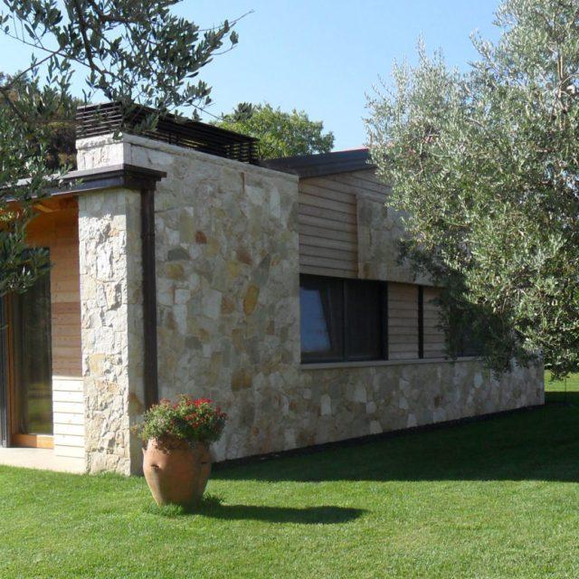Villa in pietra di Trani