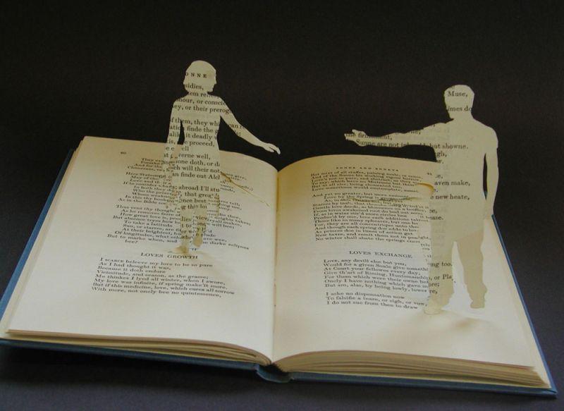 hommes de papier issus d'un livre