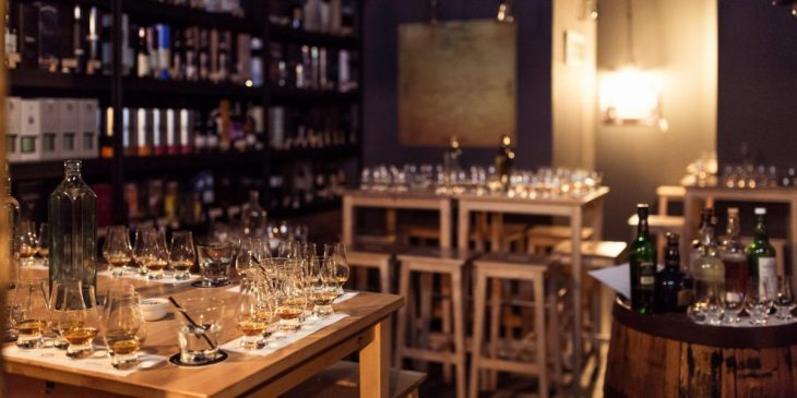 Whisky tasting at King and Mouse bar in Vilnius