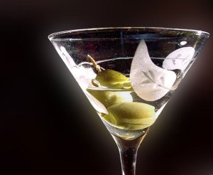 What is a Martini and How to Drink it Without Gaining Weight?