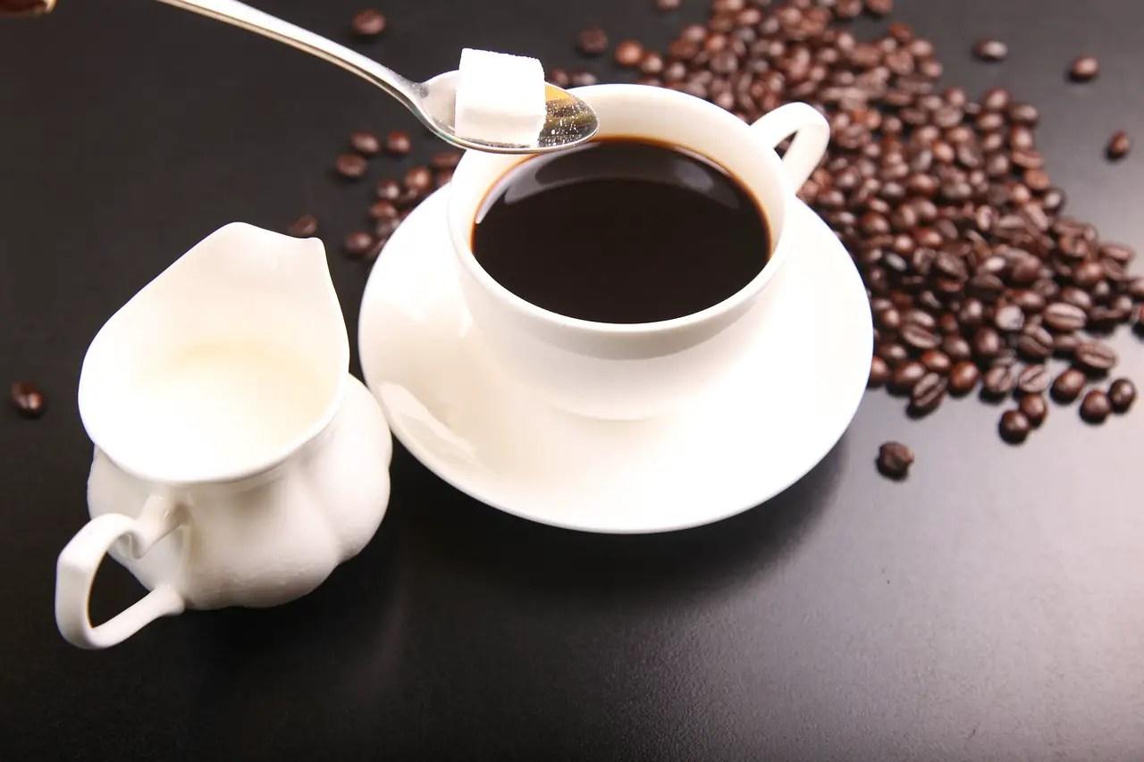 tea vs coffee, tea, coffee, health benefits of coffee, health benefits of tea, tea and coffee