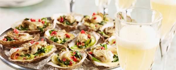 Illustration de l'association des huîtres grillées et du vin