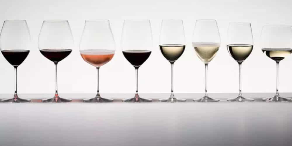 Comment servir le vin et avec quel type de verre