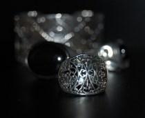 Redonnez de l'éclat à vos bijoux en argent