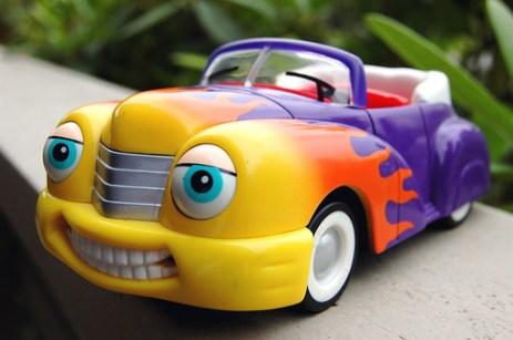 voiture qui sourit