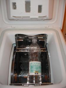 Utilisez du vinaigre blanc pour lutter contre le calcaire dans votre machine à laver