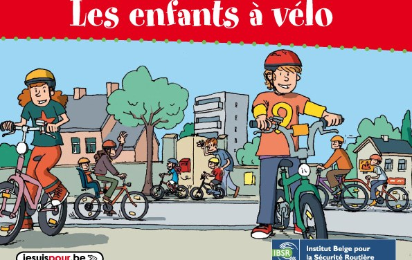 Les enfants à vélo