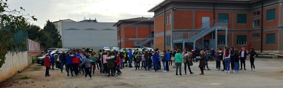 """Prove di evacuazione in occasione della """"Giornata nazionale della sicurezza nelle scuole"""""""