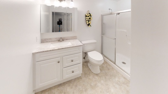 636-Stone-Circle-Bathroom