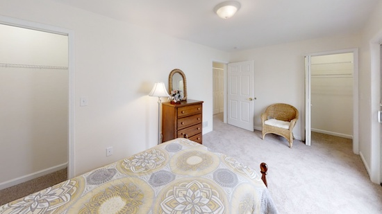 636-Stone-Circle-Bedroom3