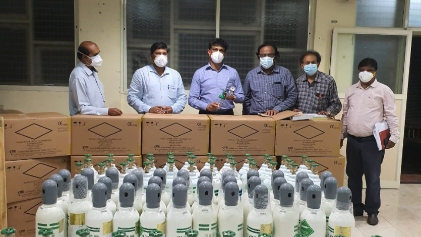 Samsung India Donates Medical Kit, Oxygen Concentrators and Oxygen Cylinders to the Govt. of Karnataka