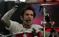 Tommy Lee sigue sin poder actuar con Mötley Crüe