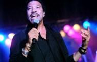 Lionel Richie confirma que podría haber un dúo entre Adele y él