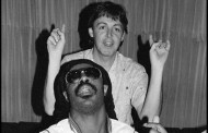 Ebony & Ivory- Paul McCartney & Stevie Wonder (1982)