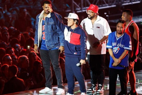 Facua denuncia que Ticketmaster revende entradas para Bruno Mars al triple de su precio original