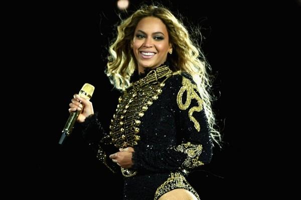 Que Beyoncé vaya a hacer la canción de la nueva película de James Bond, es solo un rumor